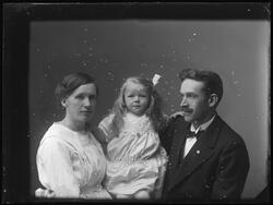 Arvid Johansson med familj