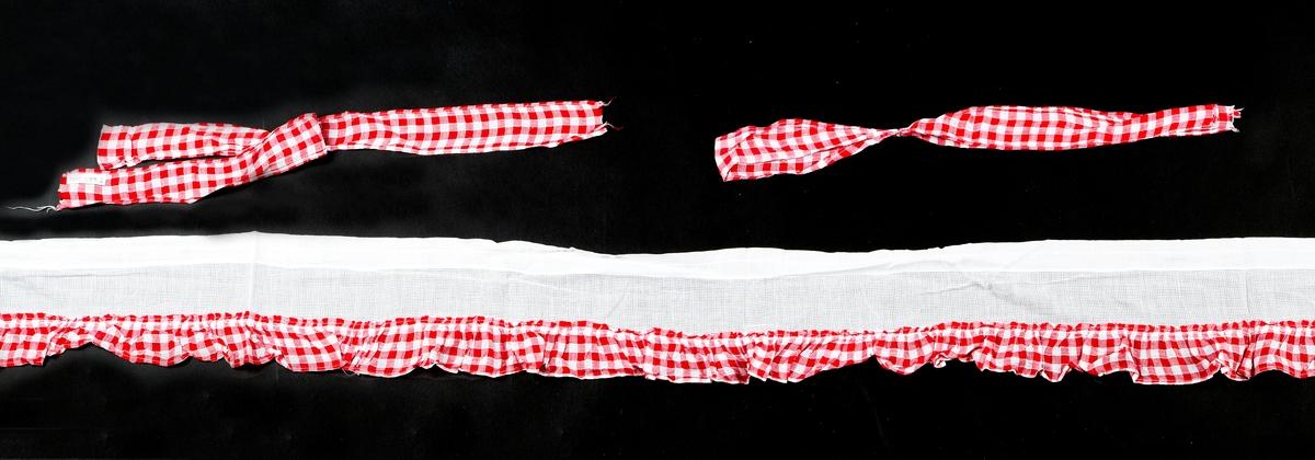 Kappegardin best. av tverrkappe, to gardinlengder, tre gardinbånd.