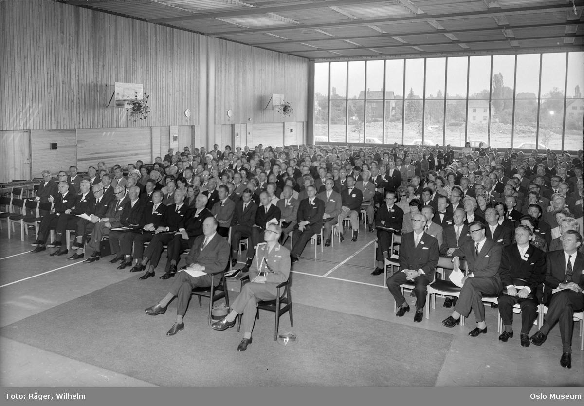 Universitetet på Blindern, interiør, gymnastikksal, Nordisk Siviløkonomkongress, delegater, konge