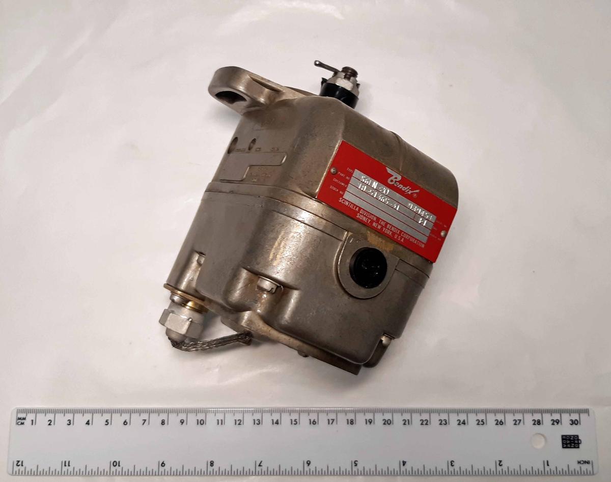Magnetapparat i metall, S6LN-20, Individ-nummer: 939451. Tillverkare: Bendix.