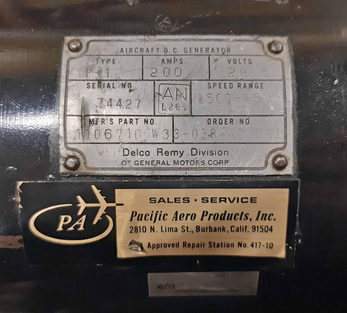 DC Generator, P-1, i svart lackad metall. 28,5 volt. Individ-nummer: 74427. Tillverkare: Delco Remy Division.