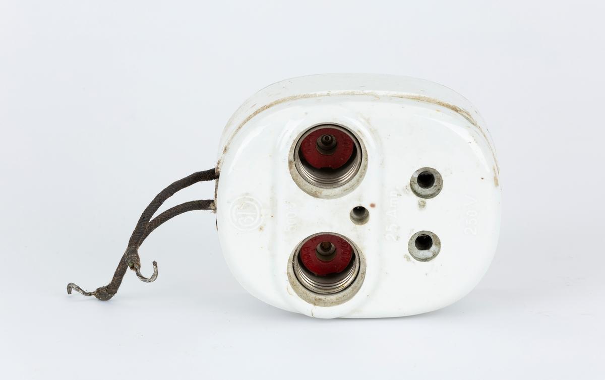 2 stk. sikringsholder, en med kabelbit.