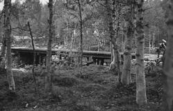 Bru over Burfjordelva/Storelva på veien til Middavarre gruve