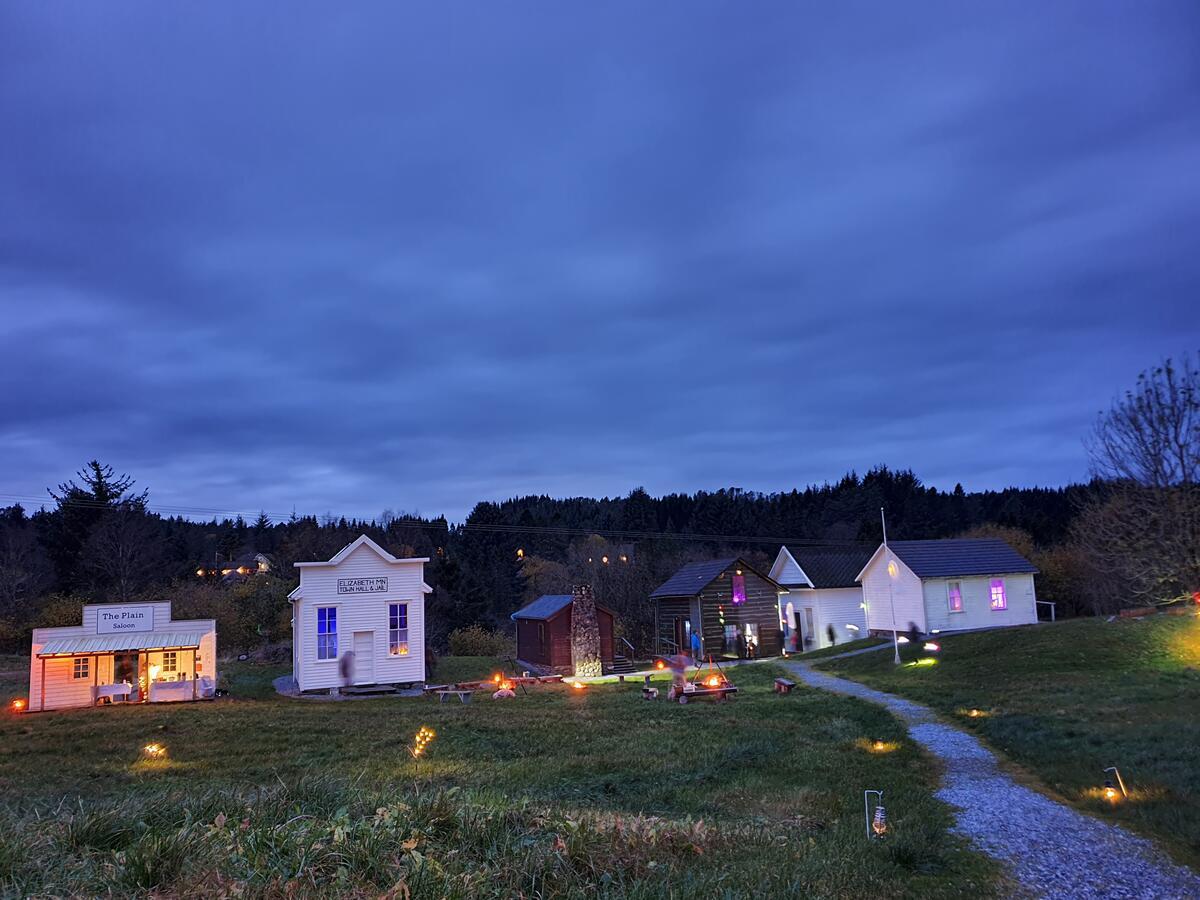 Halloween kveld på Prærien (Foto/Photo)