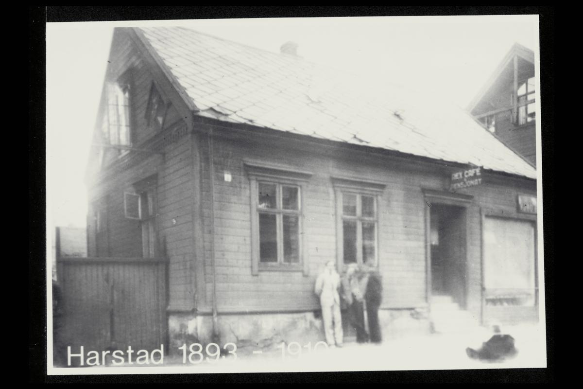 eksteriør, postkontor, 9400 Harstad, menn
