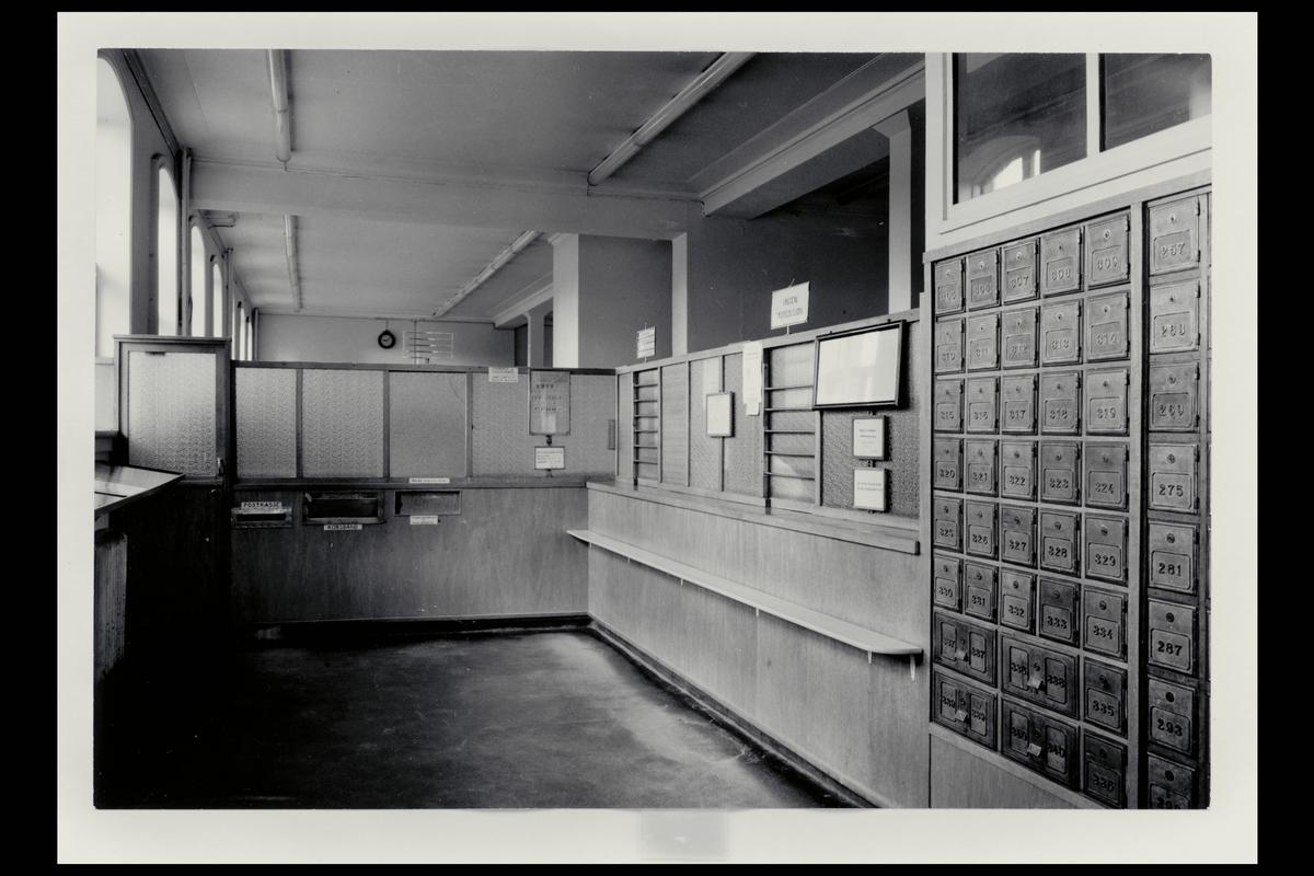 interiør, postkontor, 4001 Stavanger, publikumshall, postbokser, innstikkpostkasse