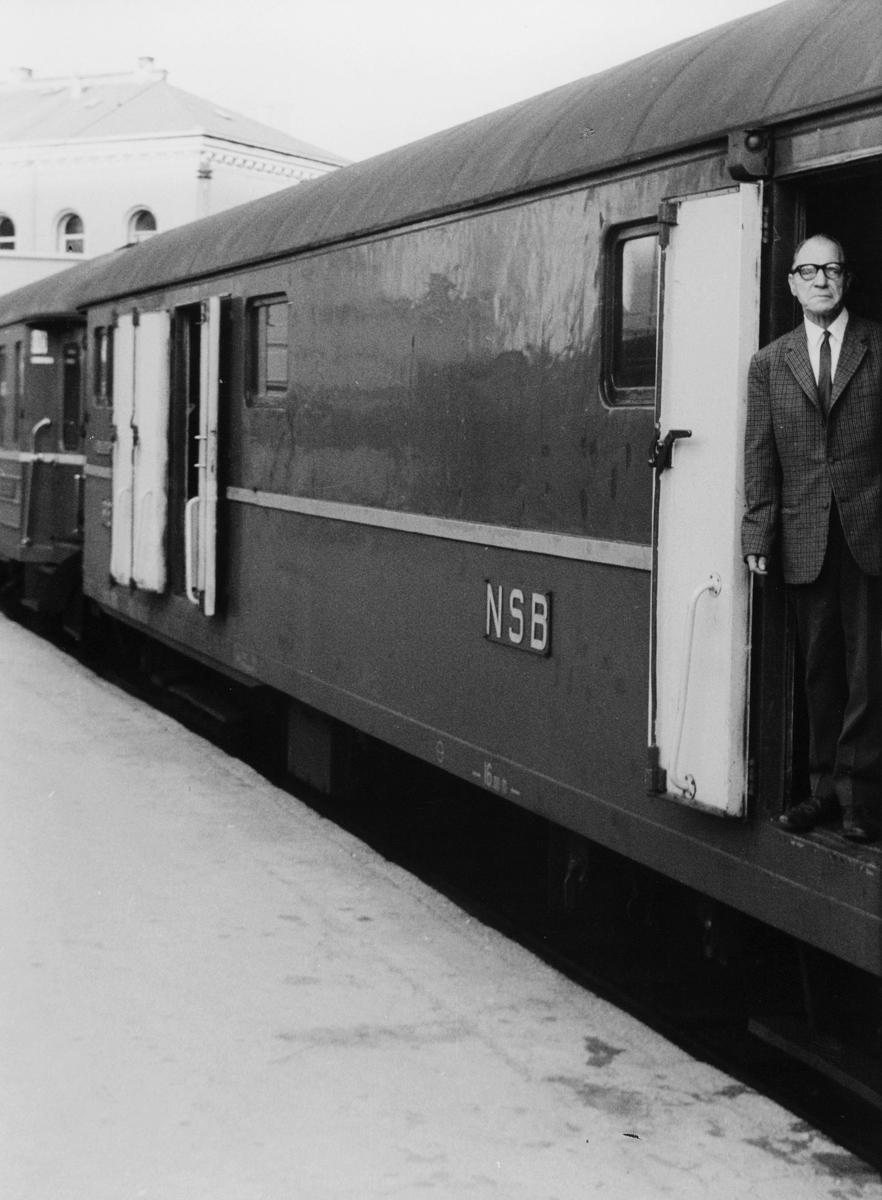 transport, tog, eksteriør, mann, Oslo - Kristiansand S