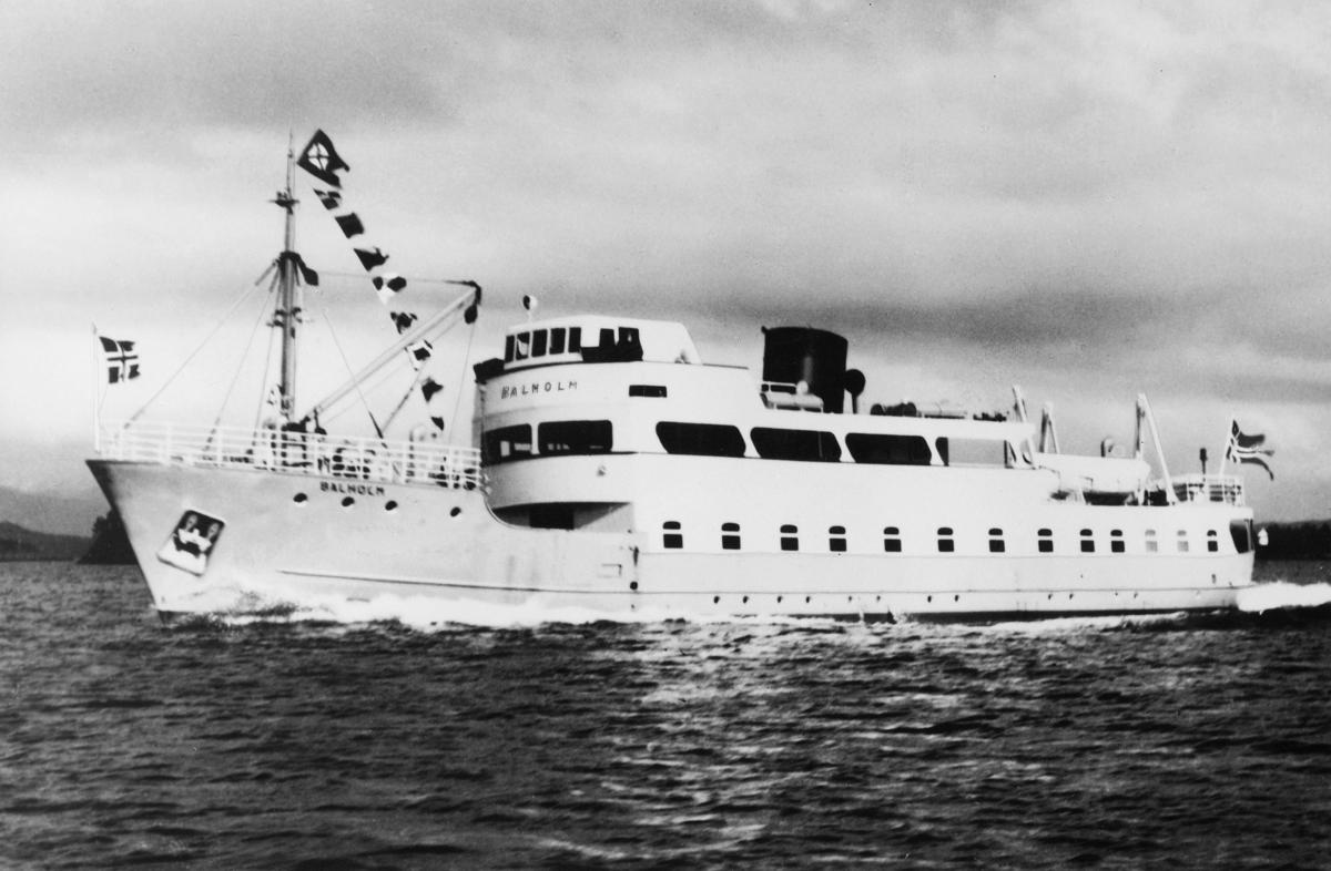 """Laste- og passasjerskip, eksteriør, M/S """"Balholm"""", Sogn og Fjordane. Sjøbussen på Sognefjorden."""