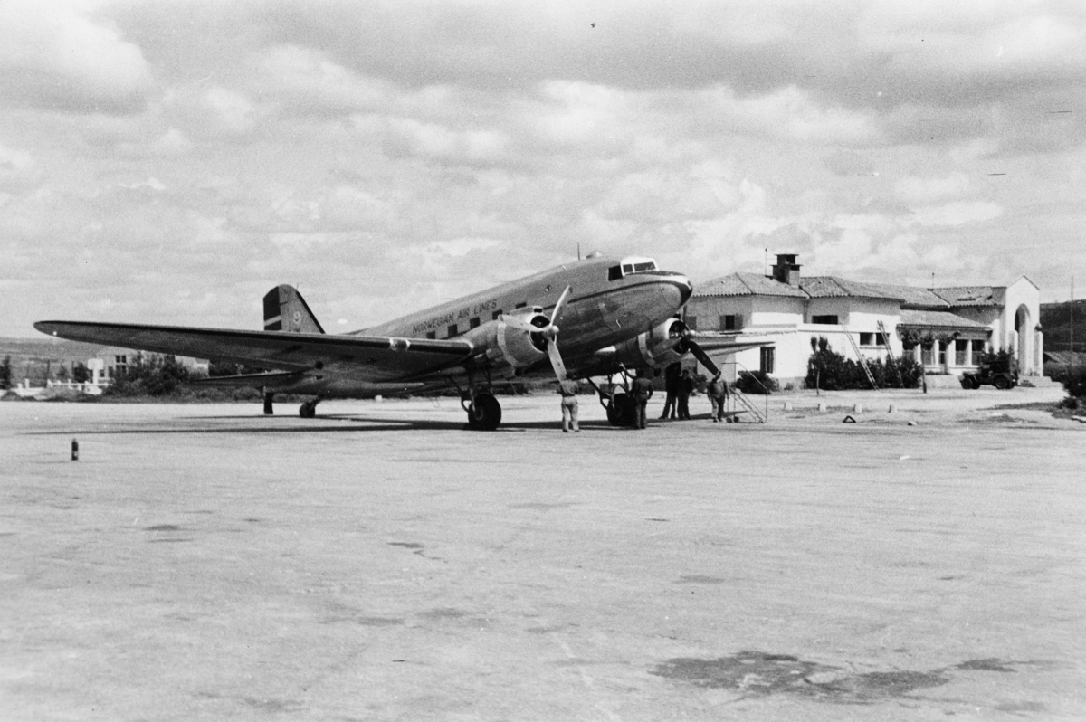transport, fly, eksteriør, Marseille, D.N.L.'s Douglas DC-3, på bakken
