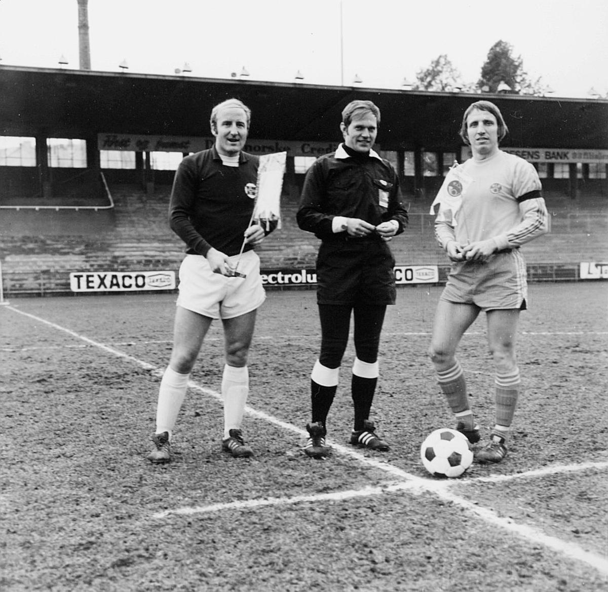 postidrett Bislet, EM kvalifisering fotball, 1 dommer, 2 menn