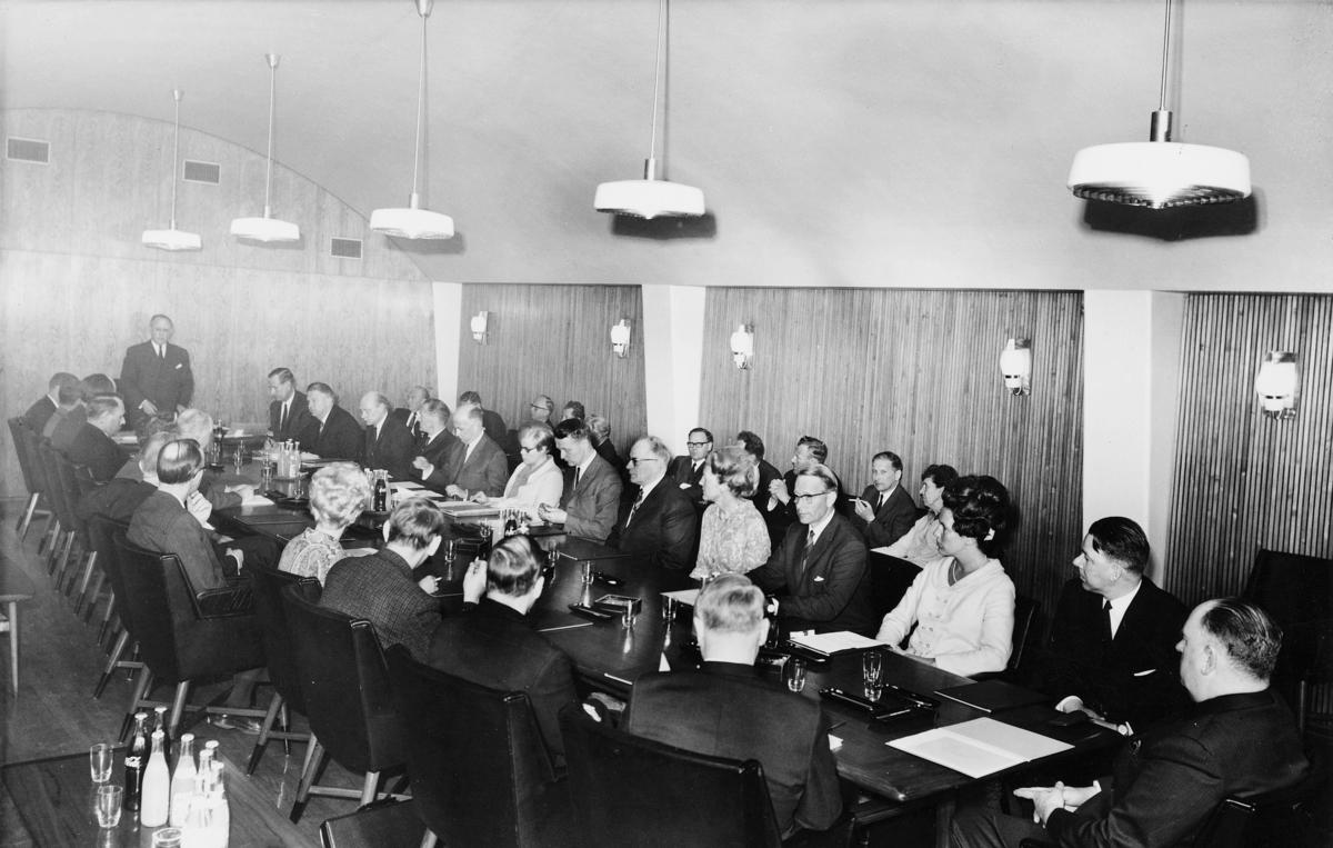 gruppebilde, Postrådet, Postdirektoratets møtesal, 10. april 1969