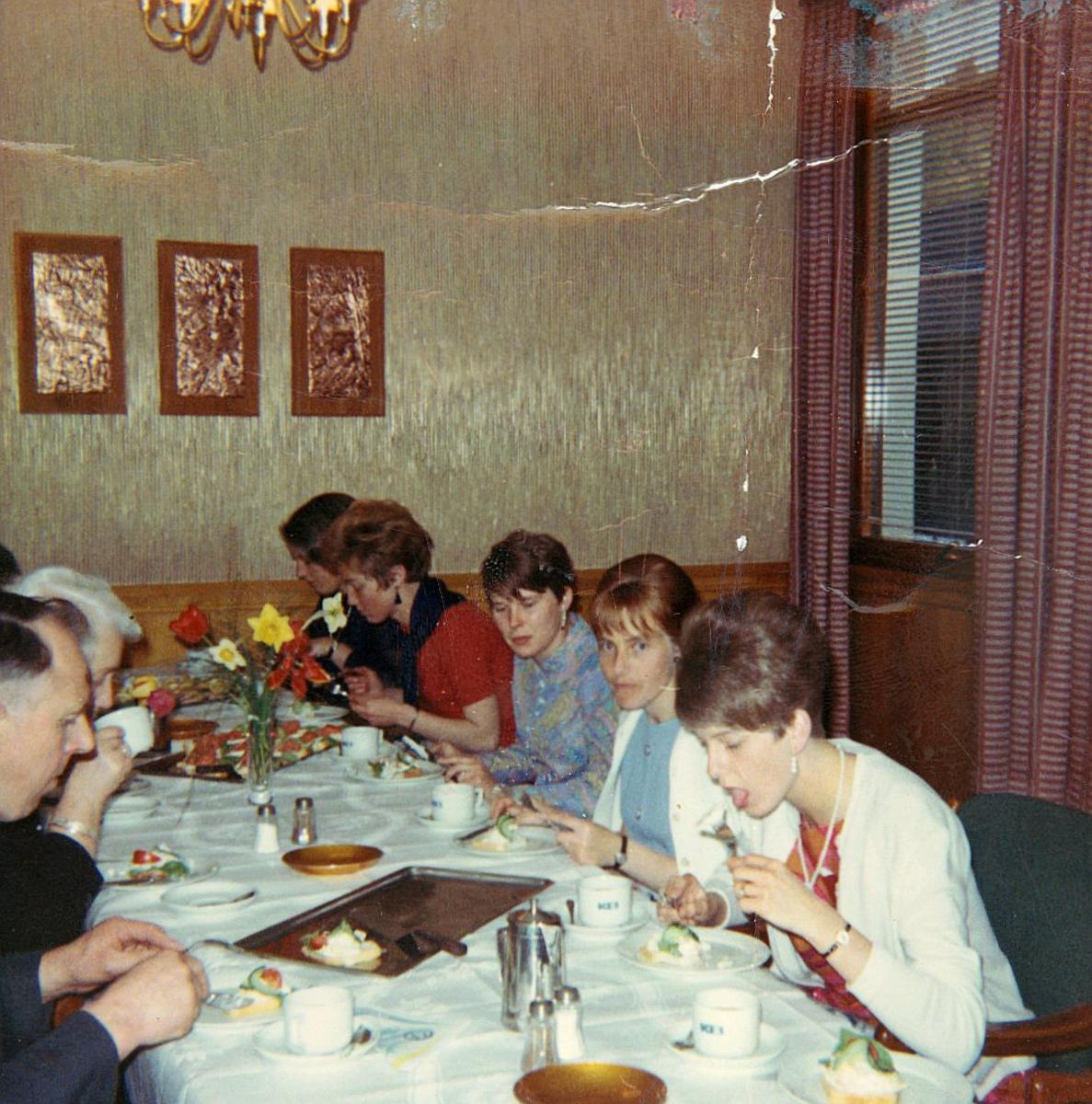 gruppebilde, personal, Gamlebyen postkontor, julelunjs