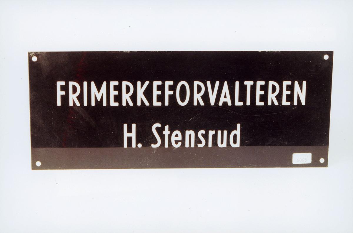Postmuseet, gjenstander, skilt, postskilt, opplysningsskilt, Frimerkeforvalteren H. Stensrud.