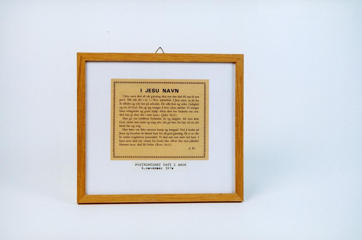 postmuseet, gjenstander, bilde, innrammet tekst, I Jesu navn