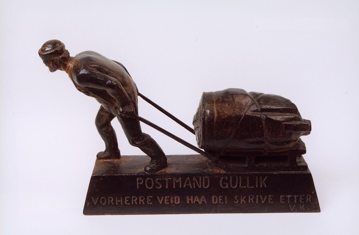 postmuseet, gjenstander, statue, miniatyrstatue Postmann Gullik