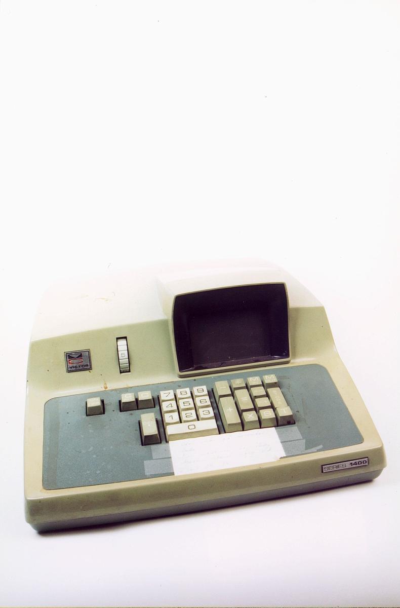 postmuseet, gjenstander, maskin, elektrisk regnemaskin, Victor series 1400