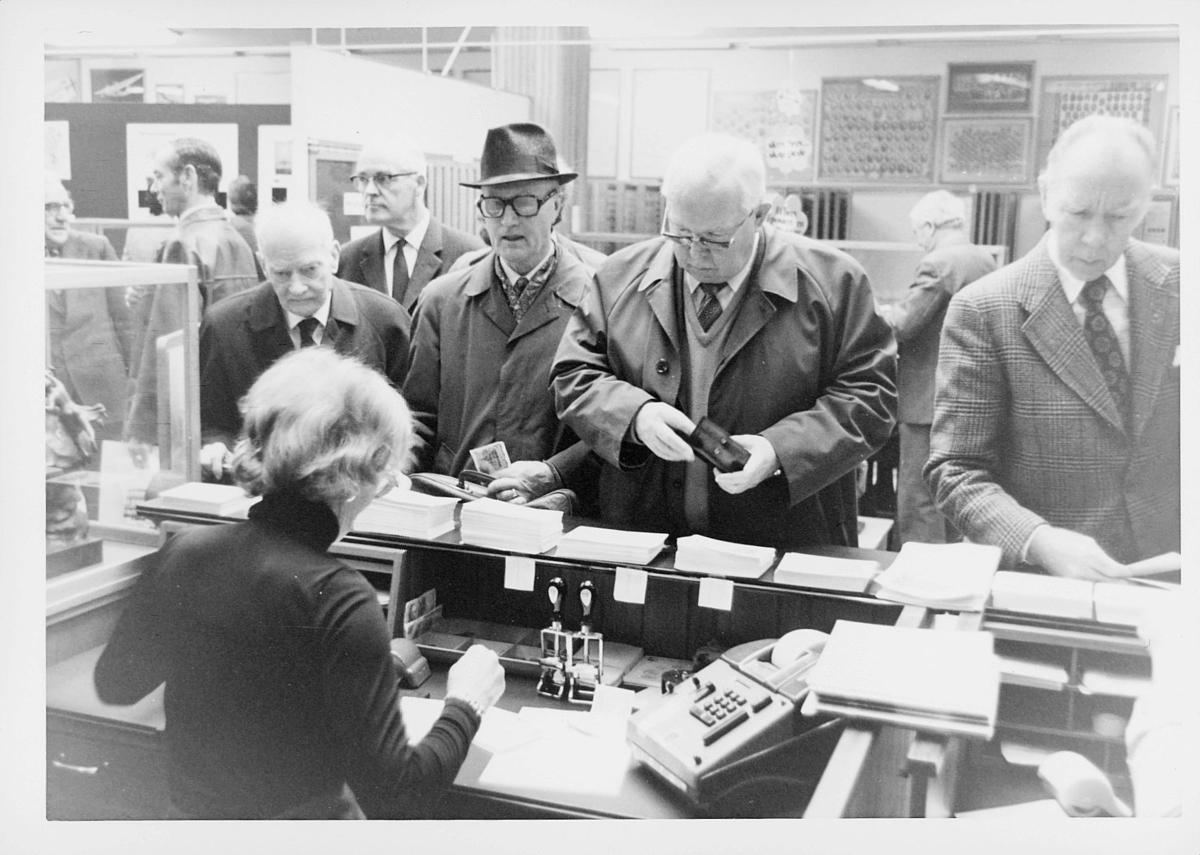 markedsseksjonen, Frimerkets dag '75, Det norske Postmannslag, Østenfjellske krets, 9. oktober, salg av filateli
