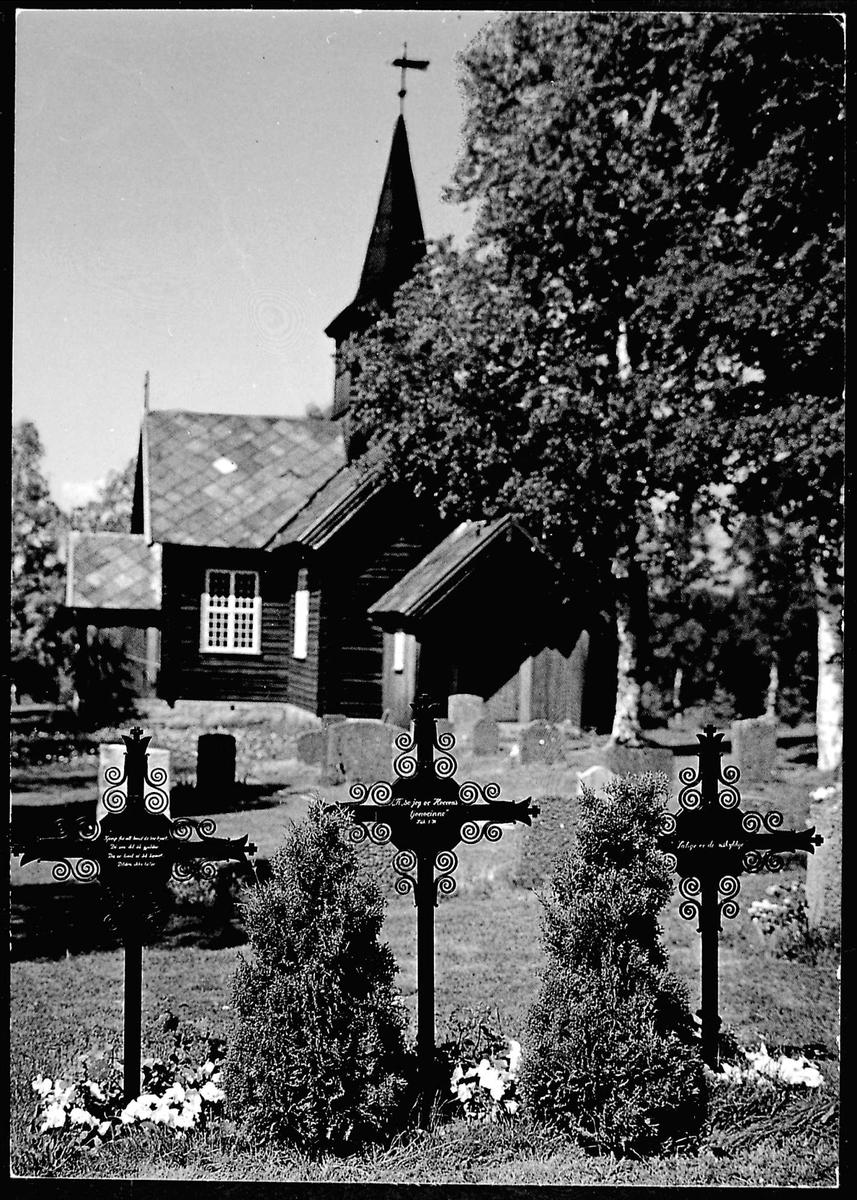Gravsted, Mesnali kirke, kors,
