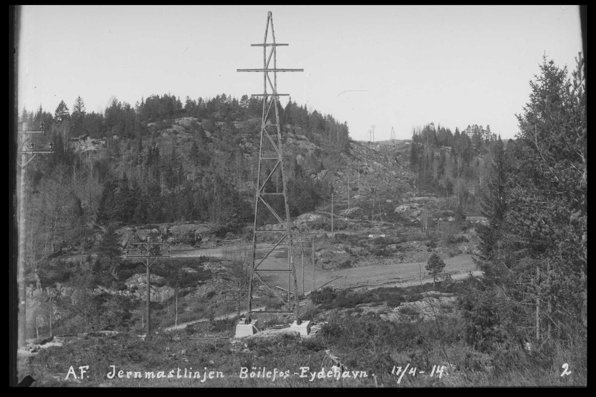 Arendal Fossekompani i begynnelsen av 1900-tallet CD merket 0565, Bilde: 74 Sted: Bøylefoss høyspentlinjer Beskrivelse: Jernmastlinja