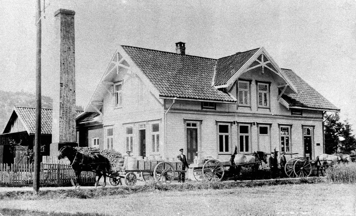 Bilder fra Birkenes kommune Topdals meieri før 1919