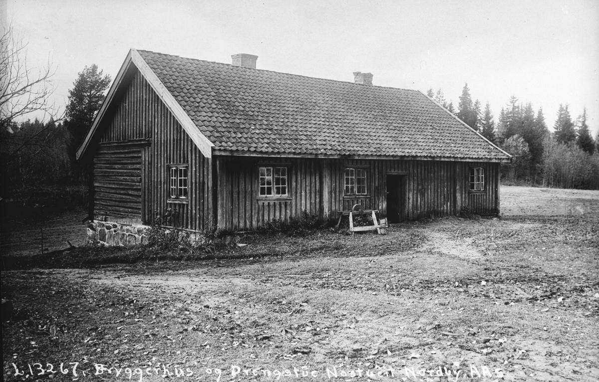 Bryggerhus og Drengstue, Nøstvedt Gård.