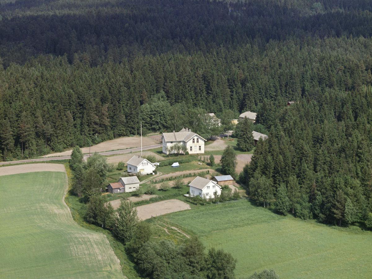 TIDLIGERE ØSTBY SKOLE, HJELLEBØL