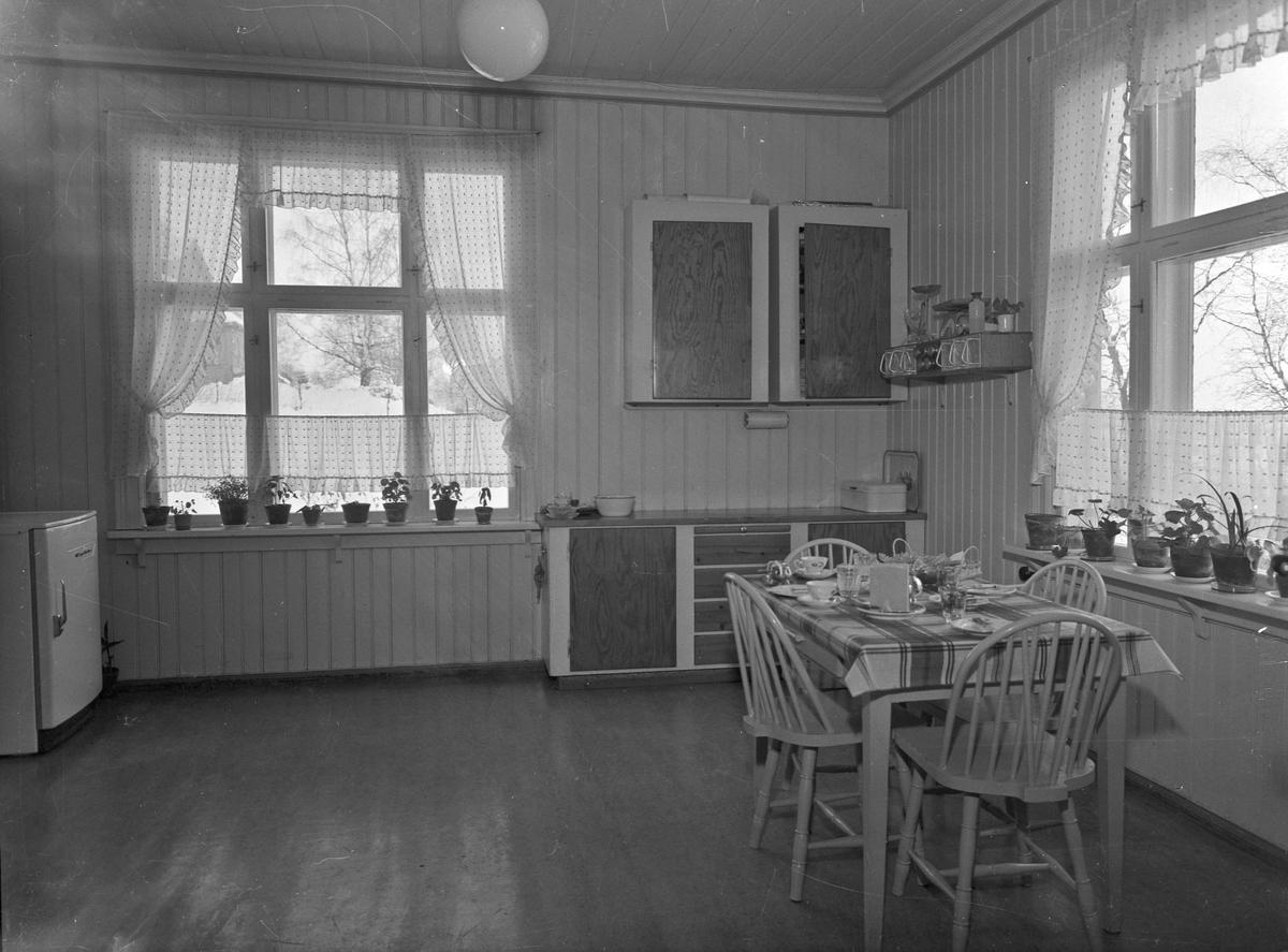 Interiør, kjøkken.