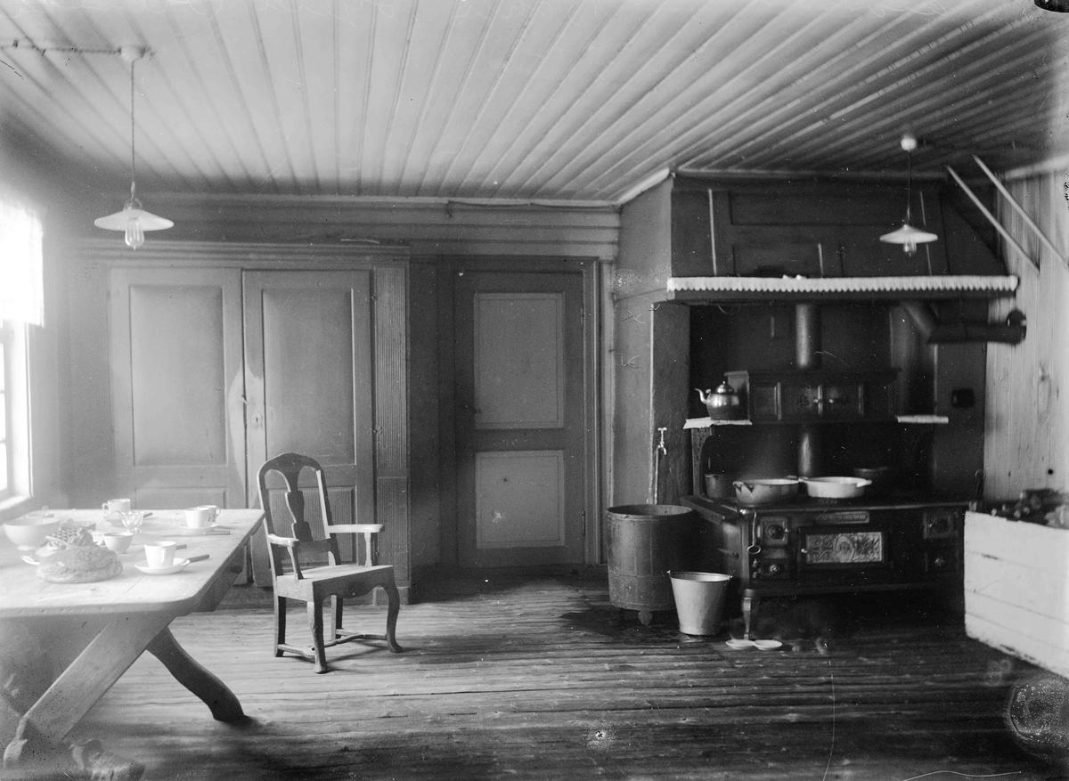 Kjøkken interiør hos Kristoffer Bøhn, Hjera