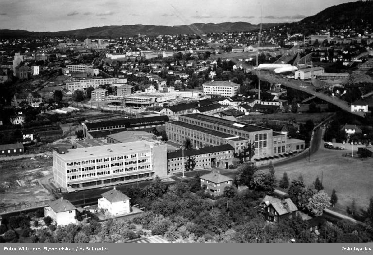 Per Kures anlegg - motor og dynamofabrikk, Hasleveien, Frydenbergveien, Sinsen (Flyfoto)