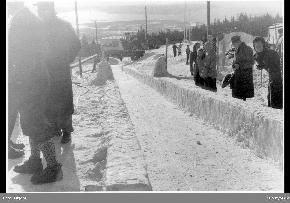 Bobsleighbanen anlagt under vinter OL 1952 fra Frognerseteren langs Hefytyebakken.