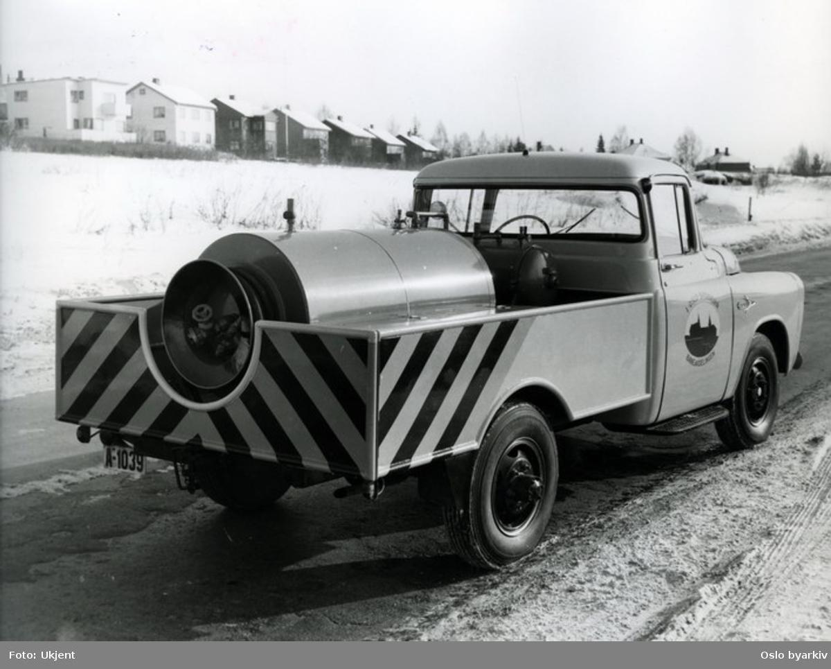 Servicebil (tankbil, saltbil?) fra Oslo Sporveier, Baneavdelingen.