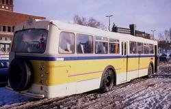 Buss tilhørende Corneliussen på Rådhusplassen.