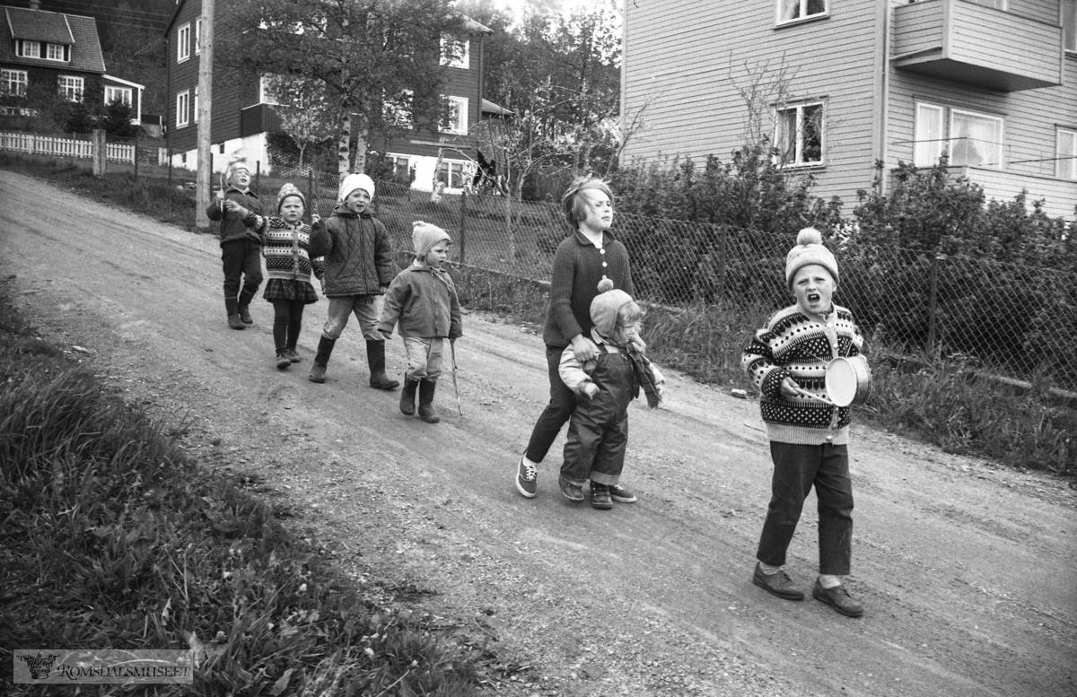 """""""Før og under 17.mai 1964""""."""