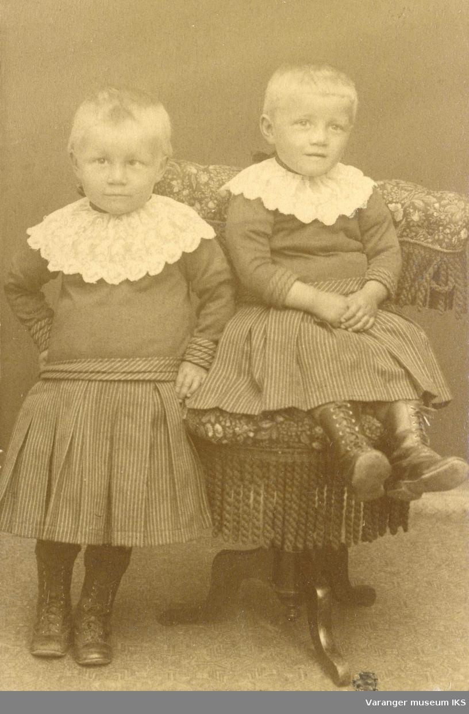 Barna Sigrid og Dagmar Esbensen ca 1888