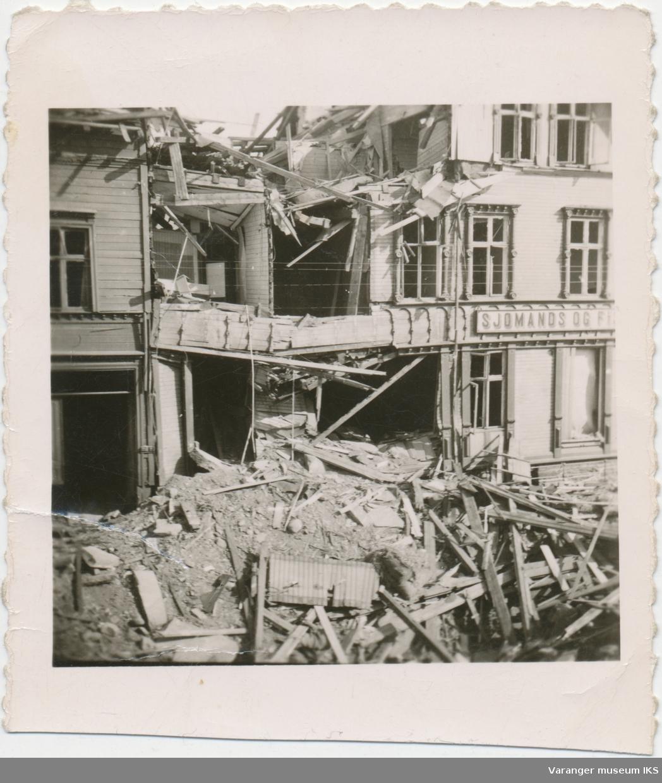 Vardø Sjømands- og Fiskerhjem bombeskadd under krigen