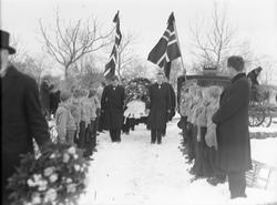 """Begravelse av """"Baklandsgutten Kjelstad v/ sogneprest Sigurd"""