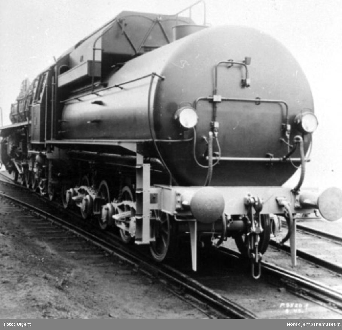 Leveransefoto av damplokomotiv type 49c nr. 471, bakfra