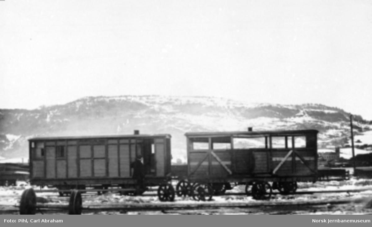 Randsfjordbanen; bremsevogn litra F og kombinert person- og åpen godsvogn litra C (L)