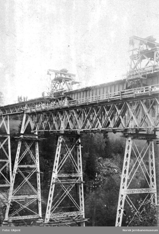 Ombygging av Solberg viadukt; flytting av bevelig stillas
