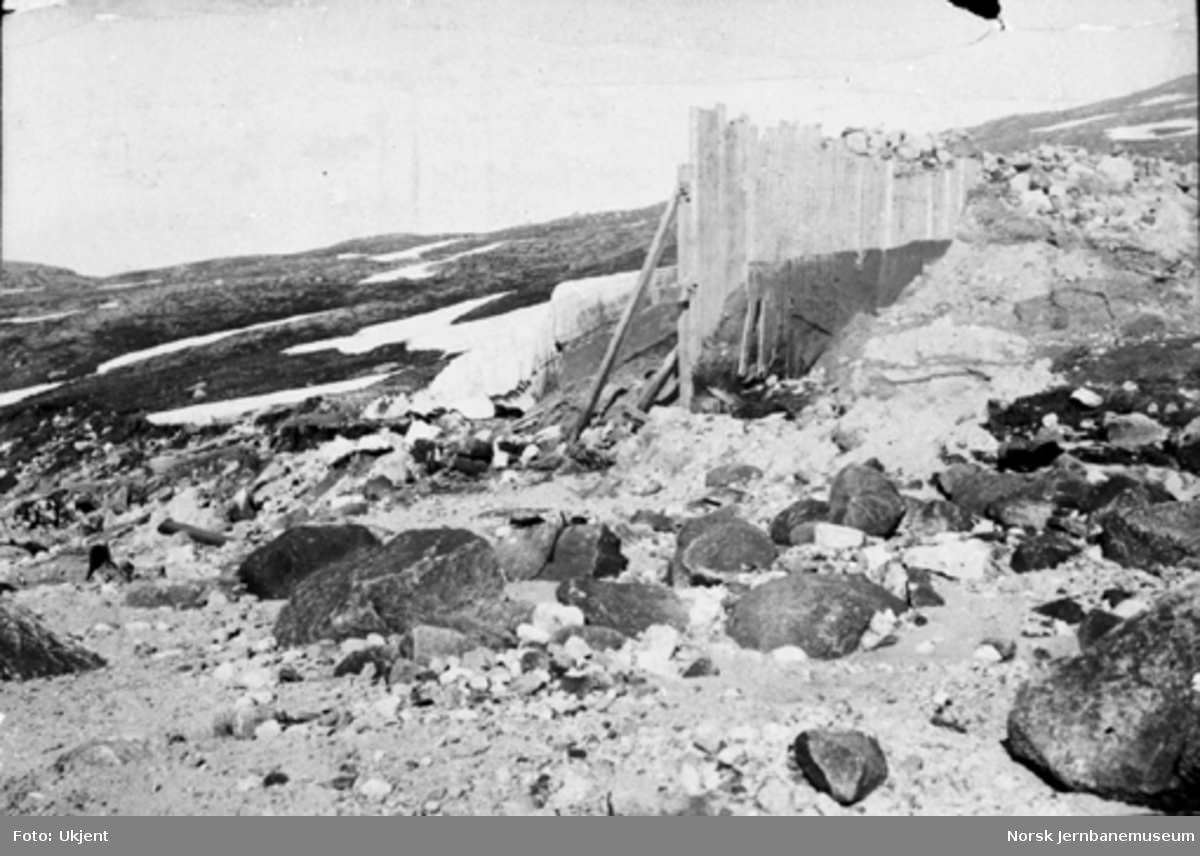 Skader etter dambruddet i Sildvik