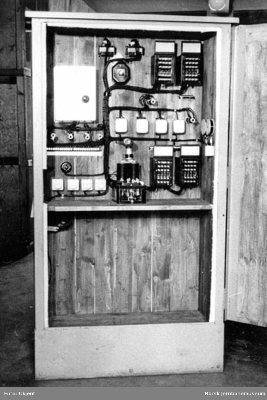 Vist planovergang; elektrisk utstyr for vegsignalanlegget