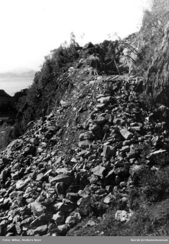 Nordlandsbaneanlegget : skjæring og fylling ved Vikan