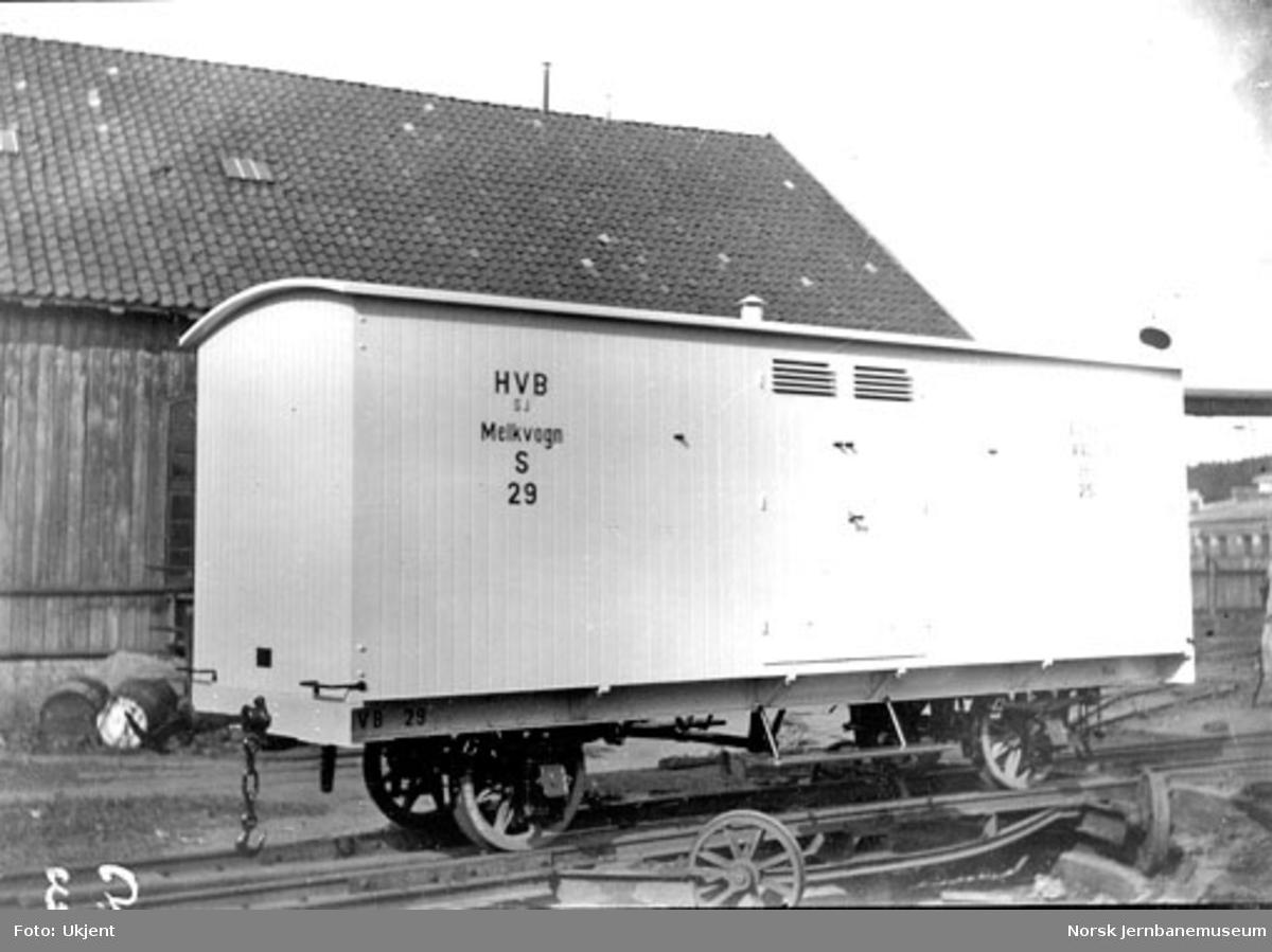 Holmestrand-Vittingfossbanens melkevogn litra S nr. 29 på Skabo Jernbanevognfabrik