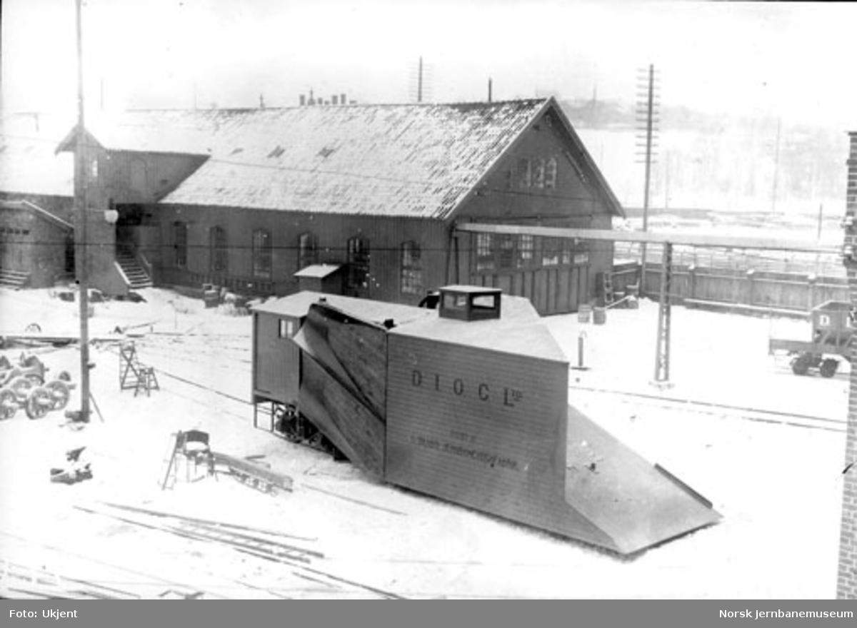 Dunderlandsbanens snøplog på Skabo Jernbanevognfabrik