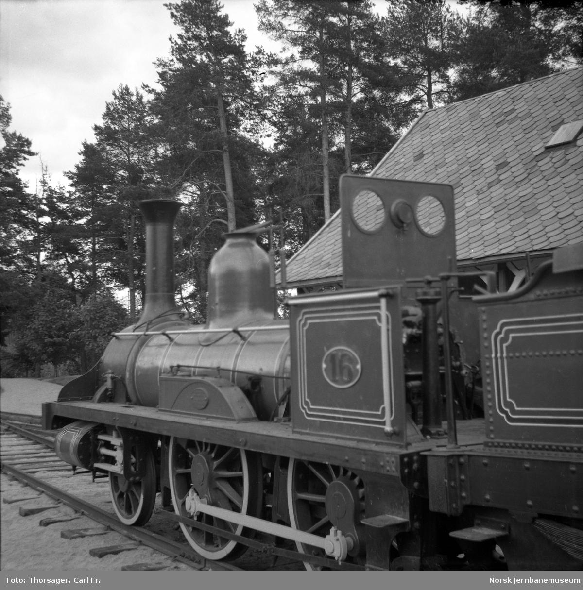 Jernbanemuseet : damplokomotiv type 2a nr. 16