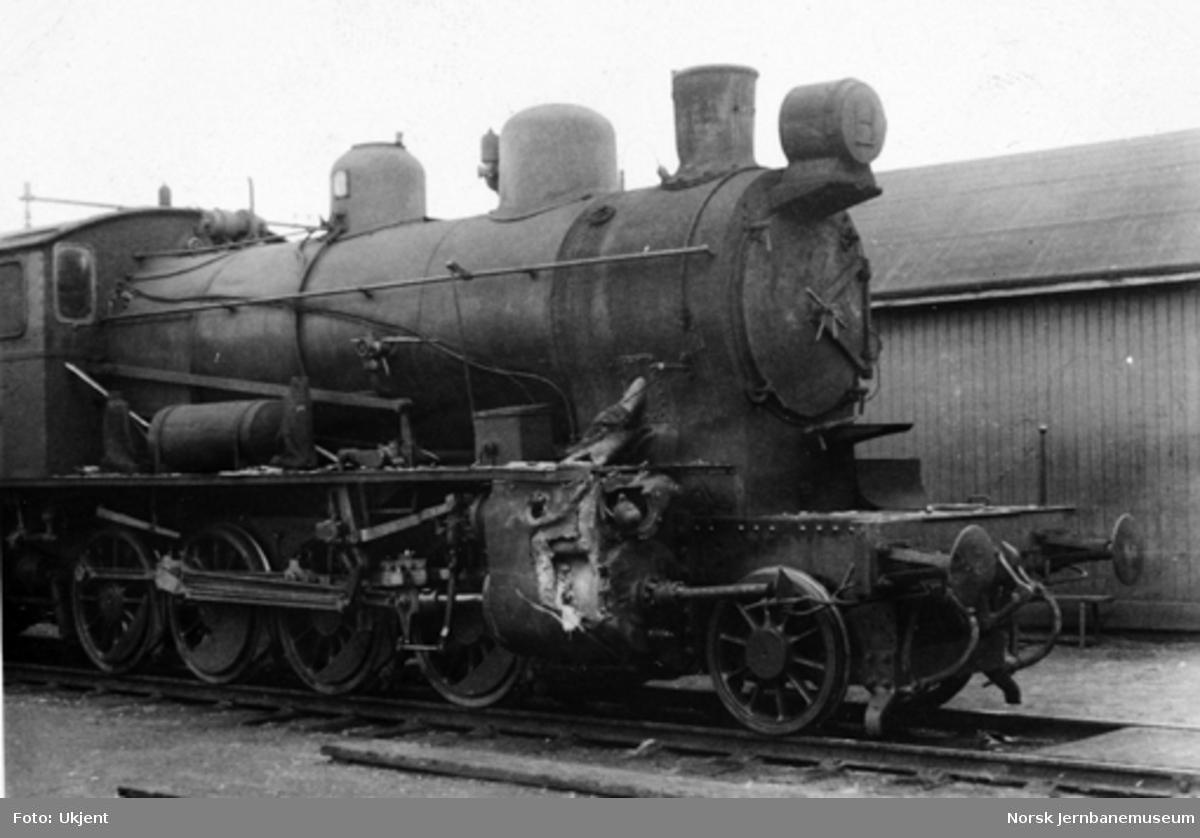 Kollisjon ved Frogner 26.8.1943 : skader på damplokomotiv type 24b nr. 264