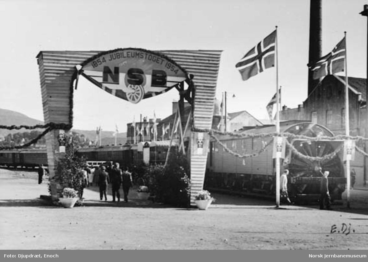 Jubileumsutstillingen på Bergen stasjon 1954