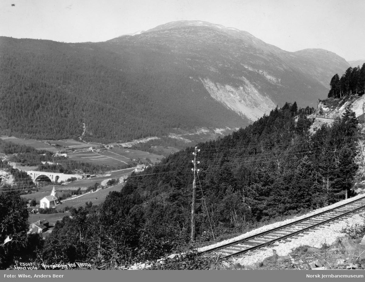 Utsikt fra Raumabanen ved Verma mot Kylling bru