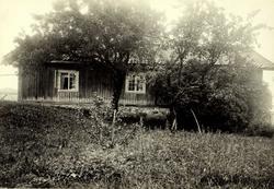 Røiri, Lørenskog, Nedre Romerike, Akershus. Lavt våningshus