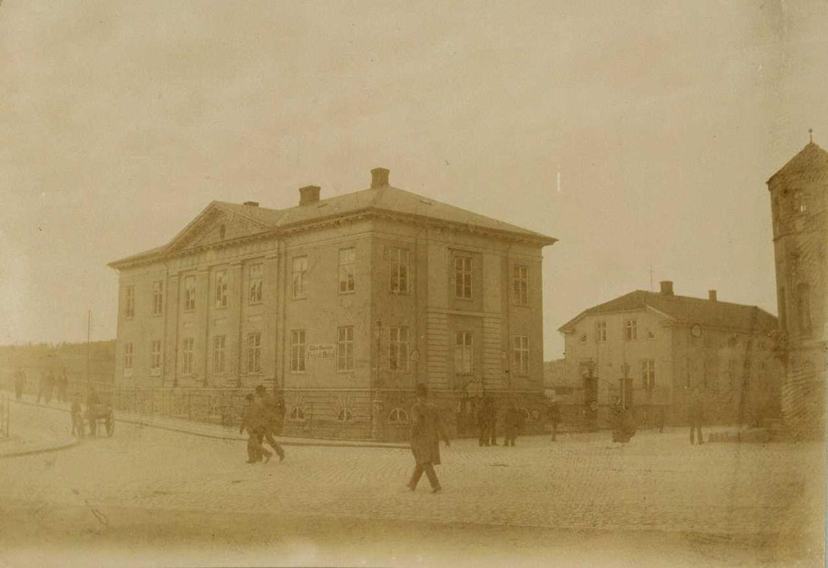 Kongegården (Wielegården), Wiels  Plass, Halden, Østfold. Fra Den kulturhistoriske Udstilling på Norsk Folkemuseum i 1901.